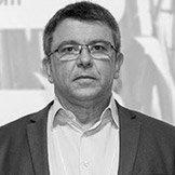 Edivaldo Velini, engenheiro agrônomo especialista em análise de resíduos.
